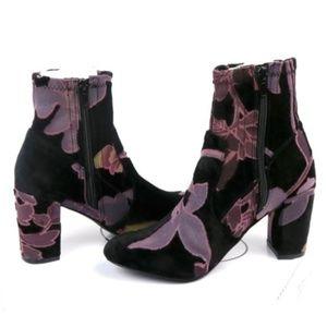 Steve Madden Emison-V Ankle Boots Black Velvet 7